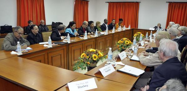 Diputados cubanos se reúnen con excongresistas estadounidenses. Foto: Tony Hernández