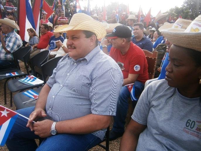 Campesinos cienfuegueros realizan donativo a damnificados en La Habana
