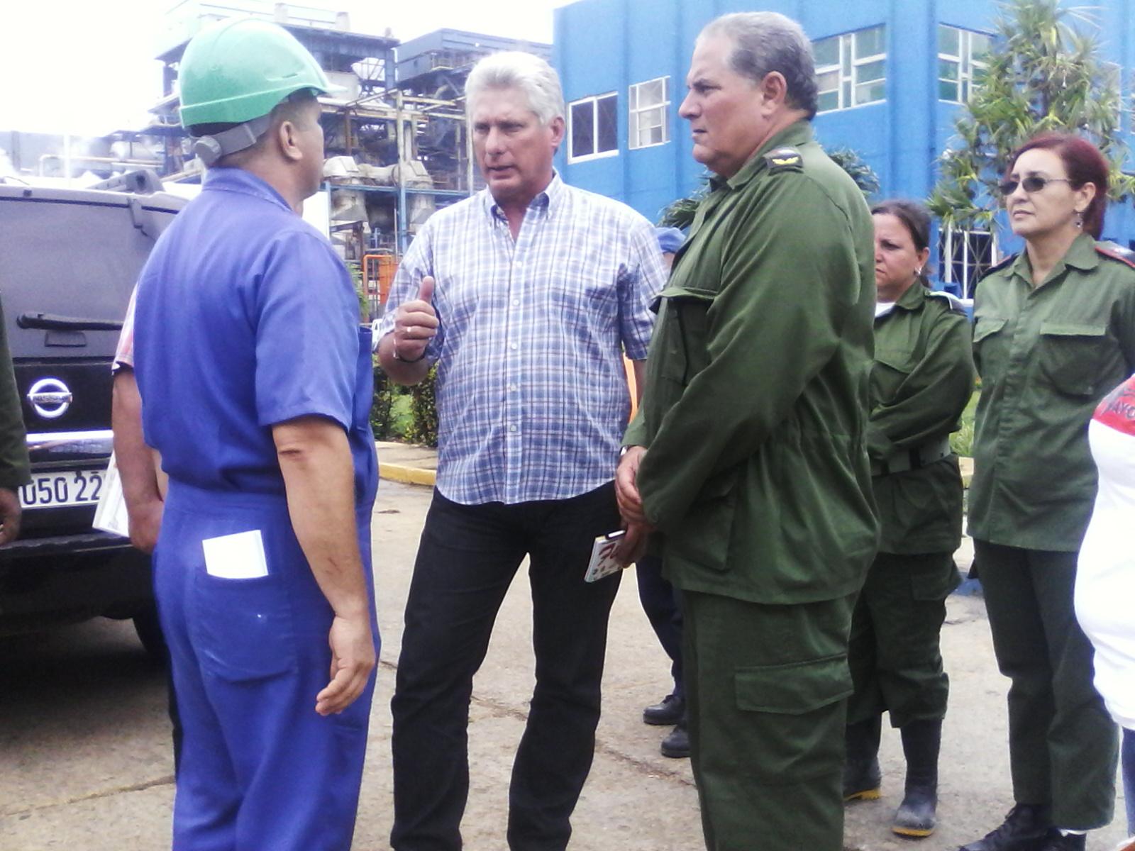 El dirigente político corroboró la puesta en funcionamiento de la Termoeléctrica del Este