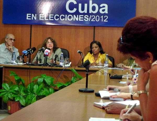 Cuba lista para las elecciones de diputados y delegados provinciales, informó la presidenta  de la Comisión Electoral Nacional Alina Balseiro Gutiérrez.