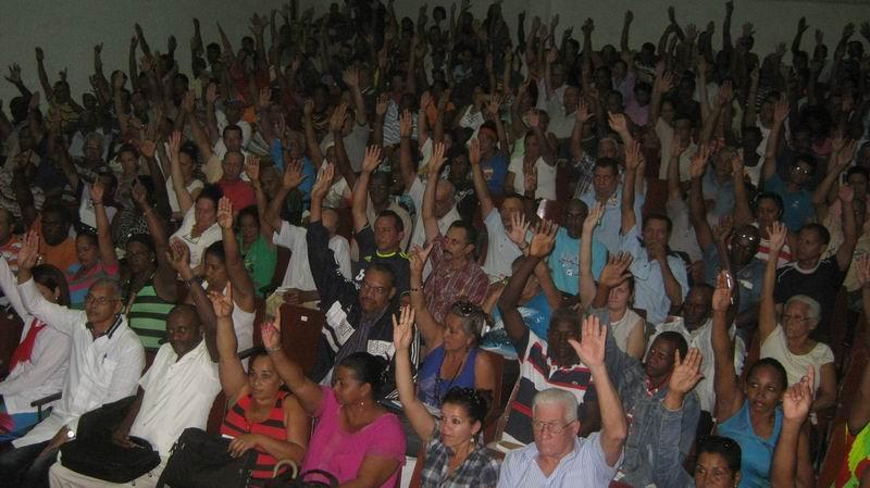 Elegido Raúl Castro delegado al VII Congreso del PCC por el Segundo Frente . Foto: Carlos Sanabia Marrero.
