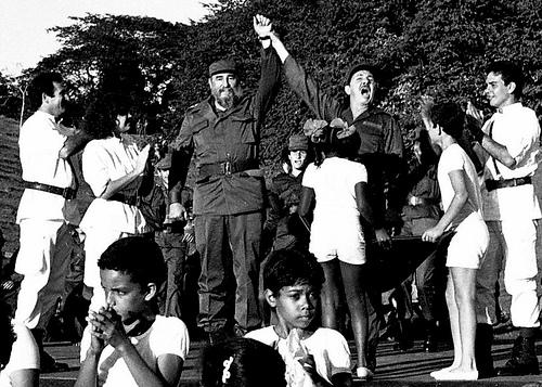 Celebran encuentro de Fidel y Raúl en Cinco Palmas
