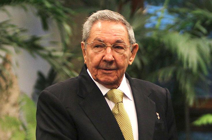 Envía Raúl saludo a pobladores de Tercer Frente