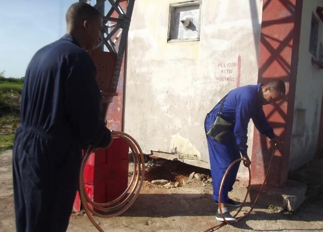 Especialistas camagüeyanos trabajan también en el ajuste de la caseta de sintonía