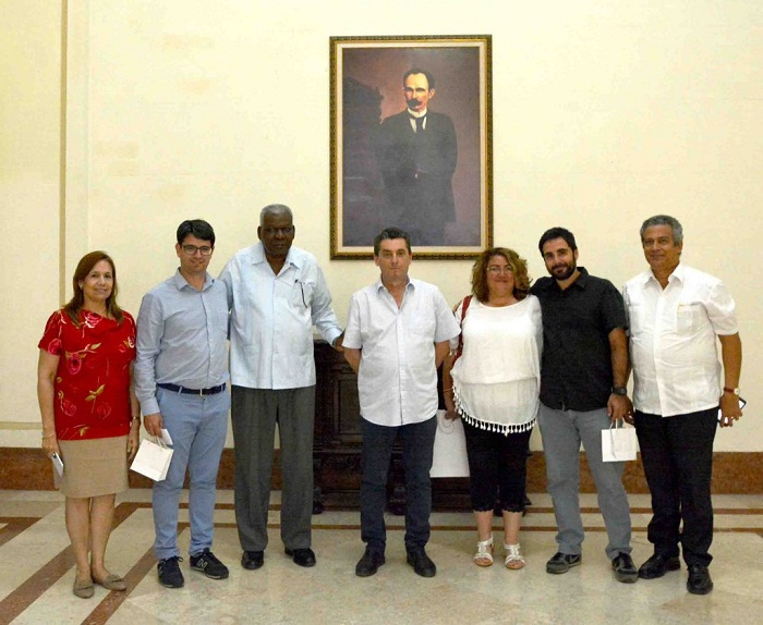 Cuban Parliament President meets with Spanish Communist leader