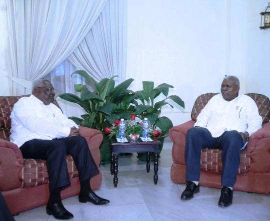 Recibió Esteban Lazo a segundo vicepresidente de Zanzíbar