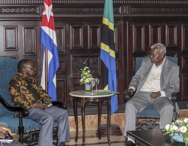 Esteban Lazo Meets with Tanzanian Political Leader