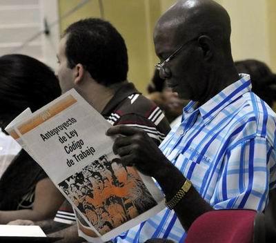 Dirigentes sindicales se preparan sobre Anteproyecto de Código del Trabajo