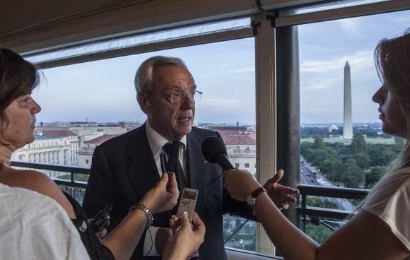 Eusebio Leal relata la historia de la bandera, a propósito de la apertura de la embajada el 20 de julio de 2015, en Washington