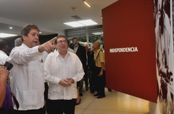 Inaugurada exposición sobre Fidel y la política exterior cubana. Foto: Oriol de la Cruz