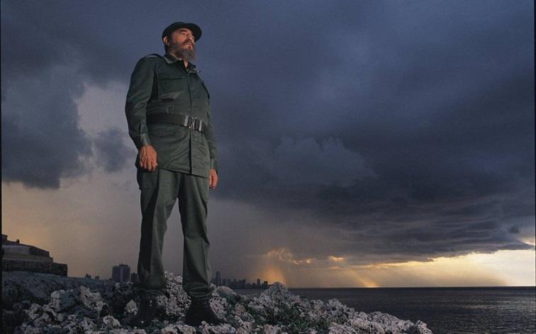 Fidel está y marcha a nuestro lado (+Audio)
