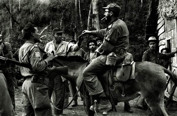 Evocando las palabras del manifiesto de Fidel al pueblo de Cuba