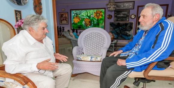 Califica Jos� Mujica a Fidel como un mito del pueblo