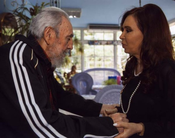 La prensa argentina habla de Cristina y Fidel