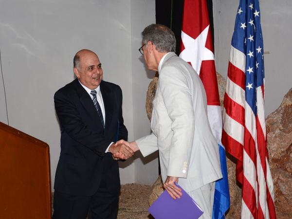 Rubrican Cuba y EE.UU. memorando sobre navegación marítima. Foto: Rodolfo Blanco