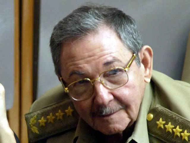 Raul Castro calls for constant analysis of economic steps