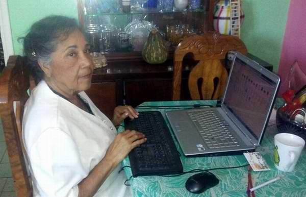 Dra. Gloria Reyes Peña quien es jubilada del CITMA
