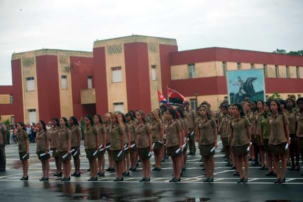 Realizan graduación de Escuela Interarmas de las FAR Antonio Maceo. Foto: Carlos Serpa
