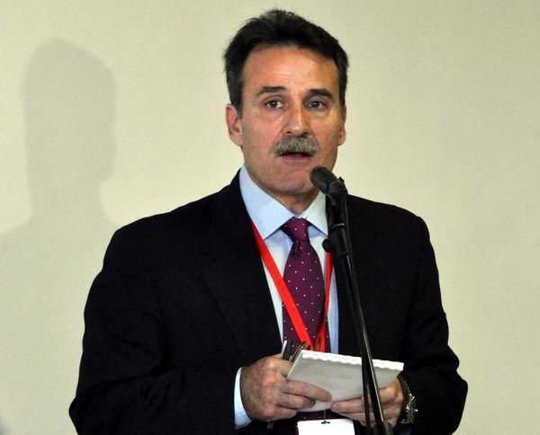 Gustavo Machín, subdirector general de Estados Unidos del Ministerio de Relaciones Exteriores de Cuba, ofrece declaraciones a la prensa durante la II Jornada de Conversaciones Cuba-Estados Unidos, que sesiona en el Palacio de las Convenciones. Foto Marcelino Vázquez
