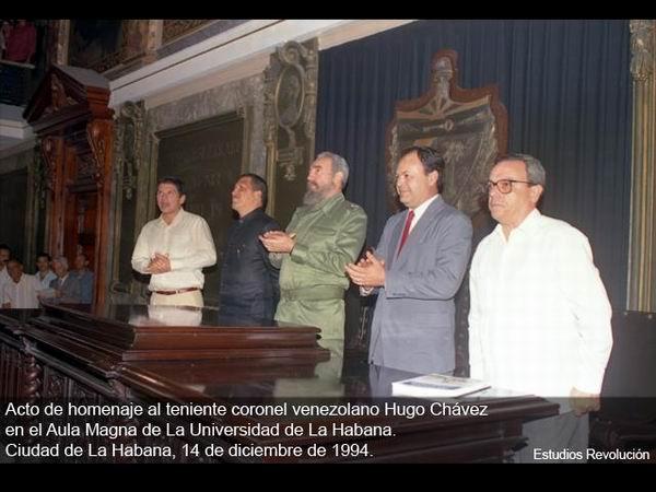 En el Aula Magna de la Universidad de La Habana, Chávez acaparó la simpatía de todos los presentes