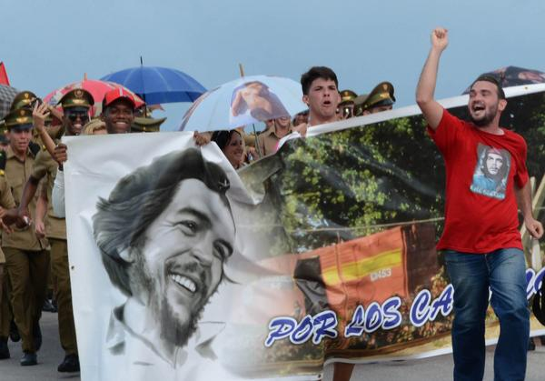 Protagoniza juventud villaclareña caminata en honor al Che