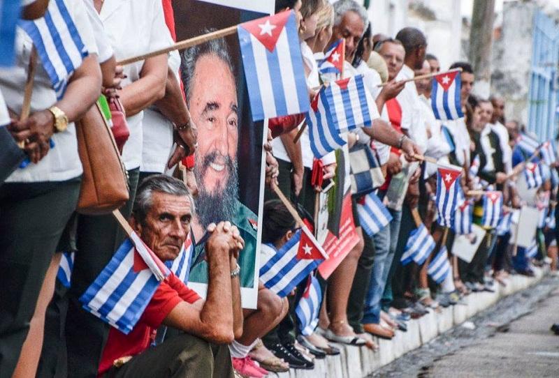Filas de honor por Fidel. Fotos: Kaloian Santos