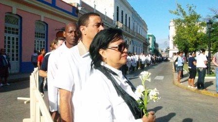 Desde bien temprano en la mañana, miles de sus pobladores rinden tributo de homenaje al Comandante Chávez. Foto: José M. Solís.