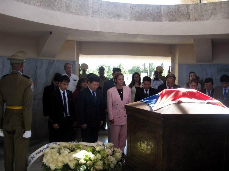 Homenaje a Martí y Fidel del Fiscal General de Vietnam (+Audio)
