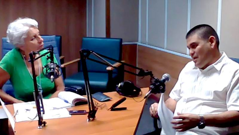Santiago Badía González, secretario general del Sindicato Nacional de los Trabajadores de la Salud en entrevista para Haciendo Radio.