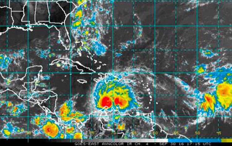 Las provincias orientales y Camagüey están amenazadas por el potente huracán Mathew