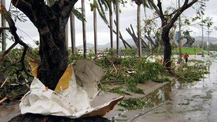 Destrozos causados por el huracán Sandy el 25 de octubre del 2012 en áreas de la Plaza de la Revolución Antonio Maceo. Foto. Carlos Sanabia
