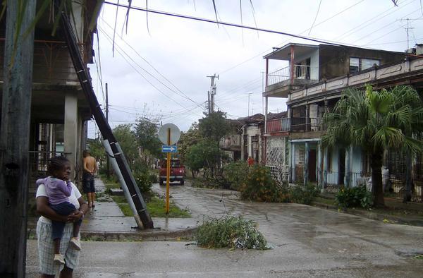 Daños causados por el paso deL huracán Sandy, en Guantánamo, Cuba, el 25 de octubre de 2012. Foto: Ariel Soler.