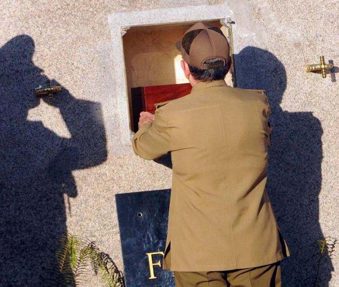 El líder de la Revolución Cubana ya descansa junto a Martí. Fotos: Juvenal Balán