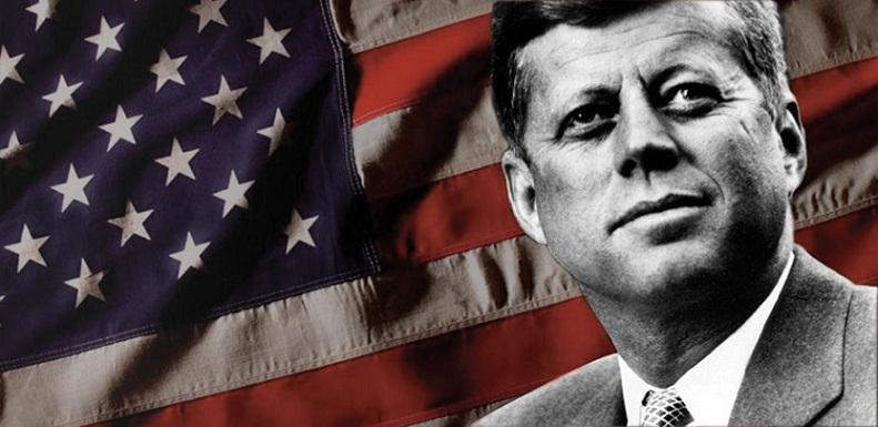 El Presidente John F. Kennedy suprimió totalmente la cuota azucarera cubana en el mercado norteamericano y el 3 de febrero de 1962, mediante la Orden Ejecutiva Presidencial 3447, se firma oficialmente el bloqueo total contra la Isla.