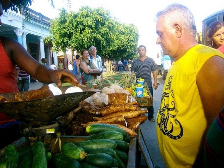 ¡Cuba es nuestra! ¡Y aquí está Cienfuegos a 58 años del Triunfo!