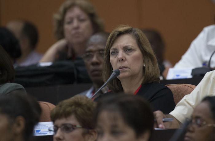 Apoya Josefina Vidal consulta popular de documentos del VII Congreso