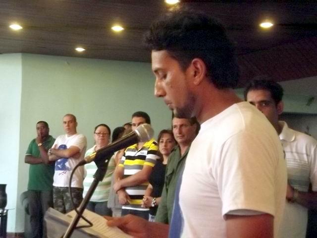 Ariel Machado Cento ratifica el compromiso de los jóvenes camagüeyanos. Foto: Miozotis Fabelo