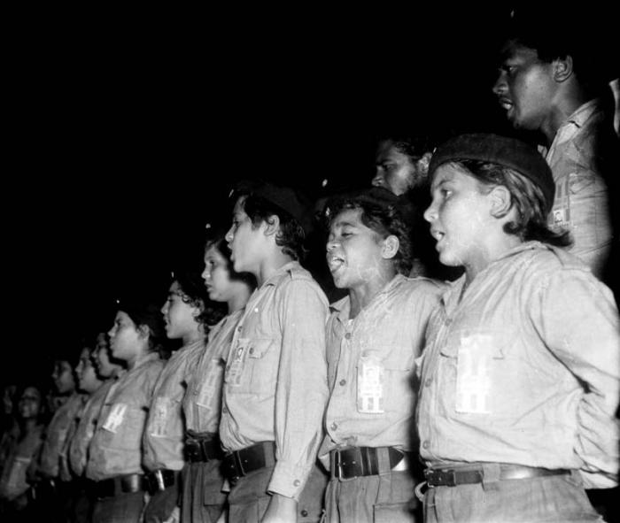 Fidel Castro: Por la unidad de la Asociación de Jóvenes Rebeldes