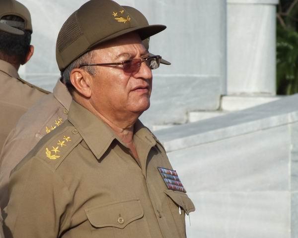 Recibió presidente de Vietnam a ministro de las FAR de Cuba
