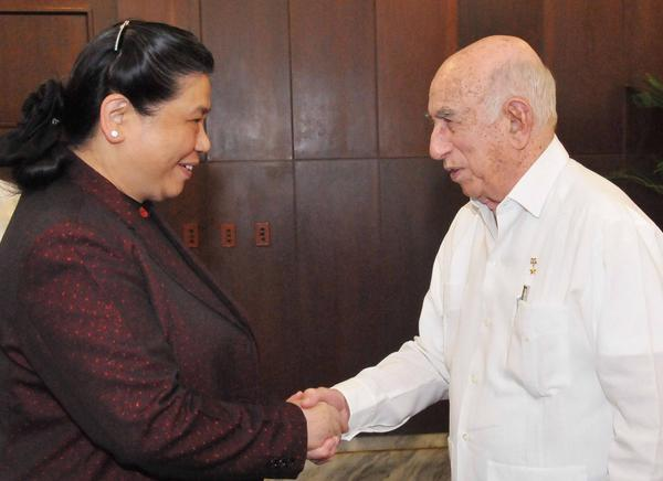 Cuban VP Machado Ventura receives Vietnamese leader