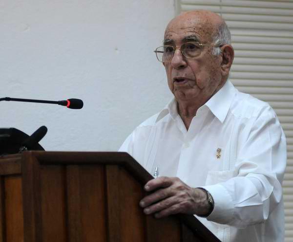 Asiste Machado Ventura a Asamblea Provincial de la UJC en La Habana. Foto: AIN/Abel Padrón Padilla