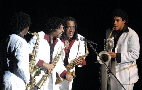 El cuarteto de saxofones Magic Sax, durante la gala cultural que se celebró en la ciudad santiaguera por el aniversario 60 del asalto a los cuarteles Moncada y Carlos Manuel de Céspedes. Foto: Miguel Rubiera Jústiz