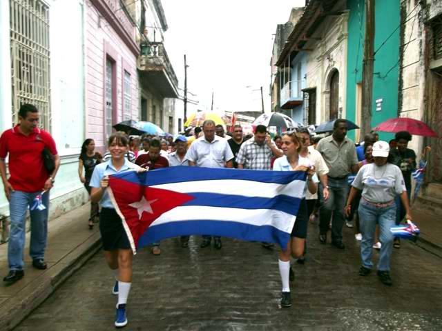 Los camagüeyanos reeditan la histórica marcha para destruir la conjura contrarrevolucionaria del traidor Hubert Matos. Foto Miozotis Fabelo Pinares
