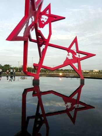 Conjunto Monumental a Camilo Cienfuegos. Foto Miozotis Fabelo