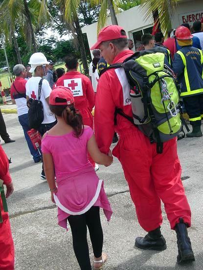 Servicios de la Cruz Roja en la ciudad de Holguín durante el Meteoro 2014. Foto: Aroldo García