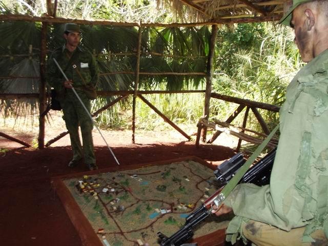 En el terreno se puntualizan las misiones. Foto: Miozotis Fabelo