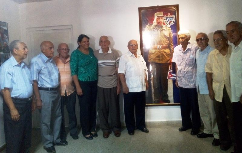 Moncadistas y expedicionarios del Granma recorren centros de interés de La Habana