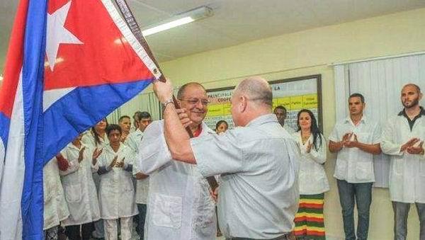 Los 23 profesionales de la salud que laborarán en la afectada zona de Piura, destacó el Ministro de Salud Pública, Roberto Morales Ojeda. Foto: José Manuel Correa