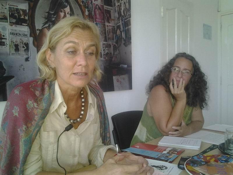 La Coordinadora Residente del Sistema de Naciones Unidas en Cuba, Myrta Kaulard, junto a Dalia Acosta, Periodista y Coordinadora de la Campaña Únete en Cuba.
