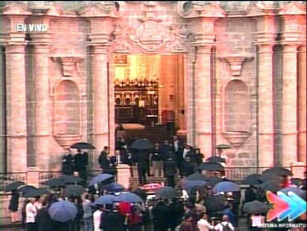 Cardenal Jaime Ortega recibe a Barack Obama en la Catedral de La Habana. Foto: Twitter Radio Rebelde. Foto: Twitter Telesur